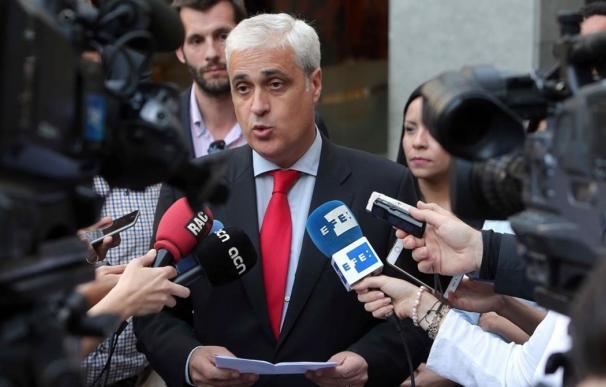 Germà Gordó atiende a los medios de comunicación en imagen de archivo