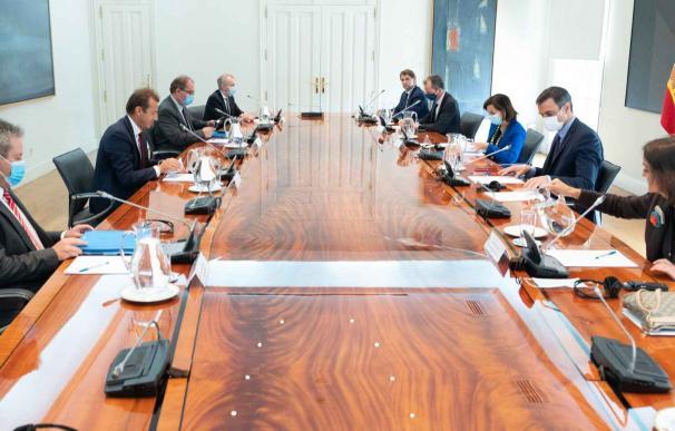 Reunión de trabajo entre el presidente del Gobierno, Pedro Sánchez, y el CEO de Airbus, Guillaume Faury. Reunión de trabajo entre el presidente del Gobierno, Pedro Sánchez, y el CEO de Airbus, Guillaume Faury.
