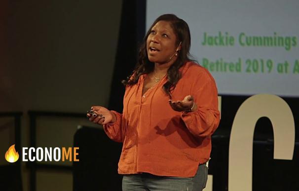 Jackie Cummings Koski durante una conferencia.