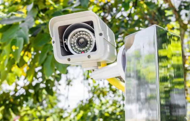 Las cámaras de seguridad del vecino no deberían enfocar hacia tu territorio.