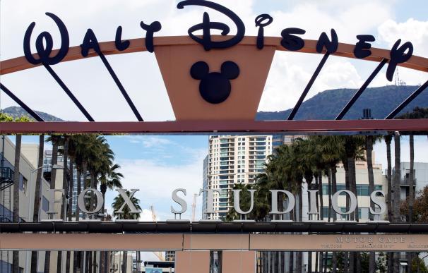 Imagen de la entrada a los estudios de Disney y de Fox en Los Ángeles.