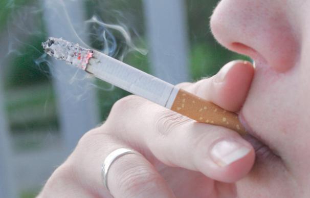 Estos son los detalles de la prohibición de fumar en la calle y espacios públicos en Galicia.