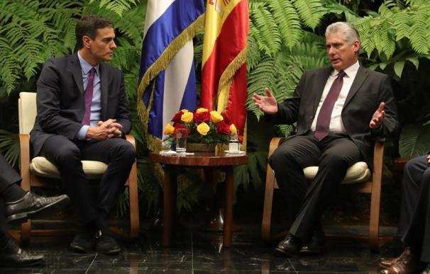 El presidente del Gobierno, Pedro Sánchez, con el presidente cubano, Miguel Díaz-Canel