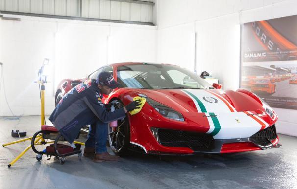 Brian Hunt, uno de los mejores limpiadores de coches del mundo.