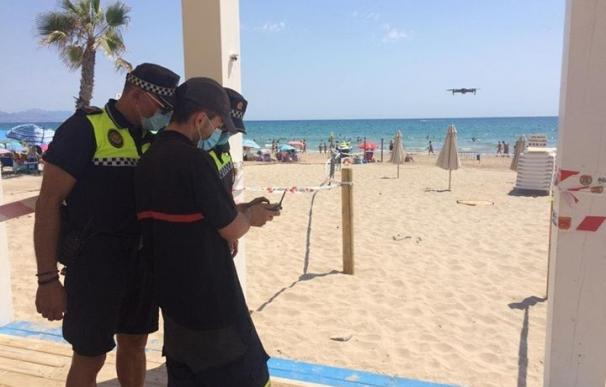 Policía Local en la playa de San Juan, en Alicante