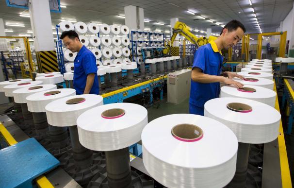 Trabajadores en una fábrica china