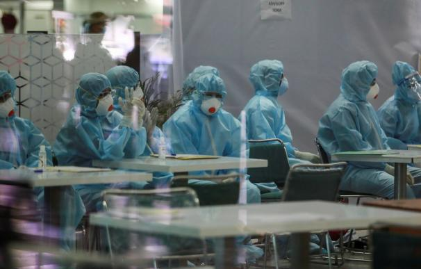 Investigadores de Japón hallan un tipo de luz ultravioleta que elimina el virus de la Covid-19