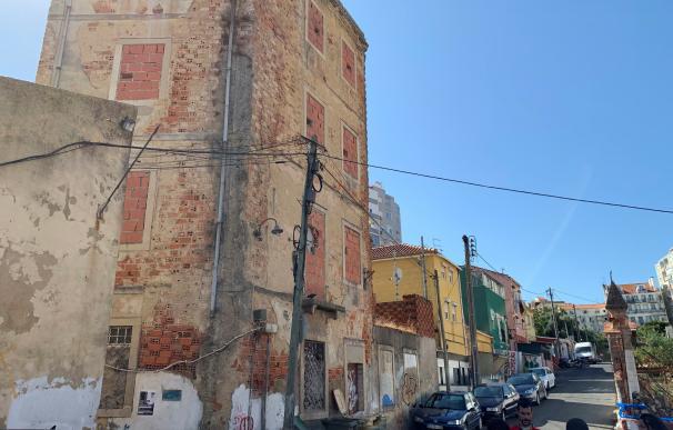 """Una """"favela"""" en el corazón de Lisboa"""