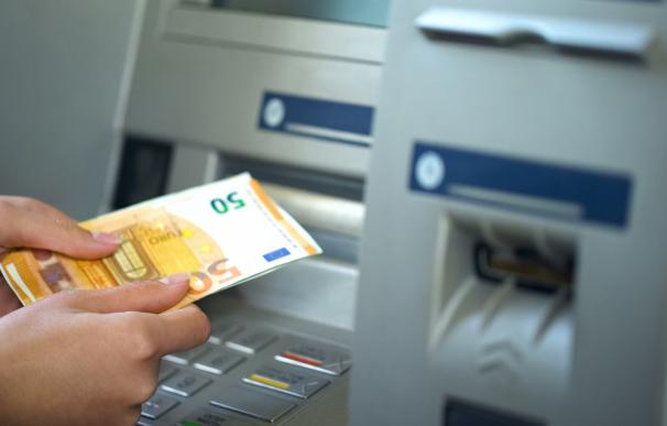 El dinero de la cuenta bancaria de un fallecido también forma parte de la herencia.