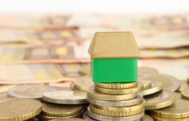 La caída del Euríbor permite ahorrar en la hipoteca.