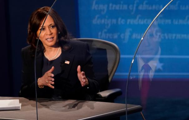 La candidata demócrata a la vicepresidencia, la Senadora Kamala Harris, durante el debate con el vicepresidente Mike Pence