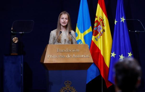 La princesa Leonor pronuncia un discurso durante la ceremonia de entrega de los Premios Princesa de Asturias celebrados este viernes en Oviedo.