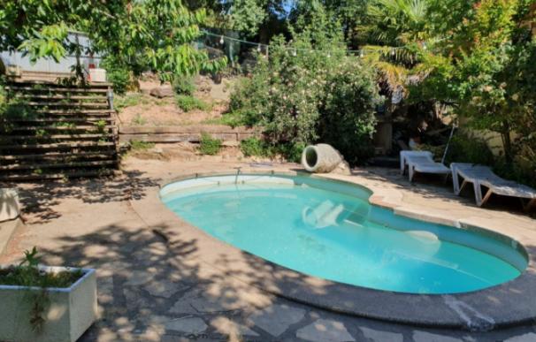 La casa con piscina a la venta en Muntanyola (Barcelona).