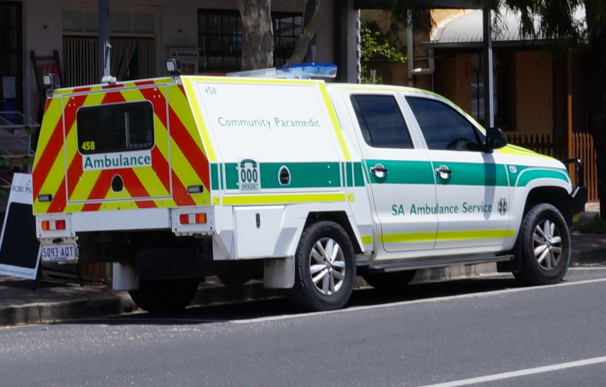 Un paramédico australiano se quedó dormido al volante y provocó un accidente mortal.