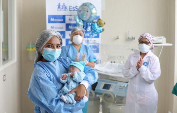 Jorgito, el bebé prematuro que se ha convertido en la persona más joven en superar el coronavirus