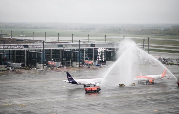 El nuevo aeropuerto de Berlín entra en servicio con ocho años de retraso
