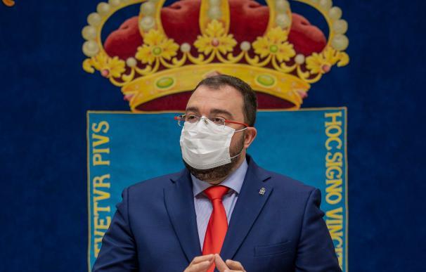 El presidente del Principado, Adrián Barbón, ofrece una rueda de prensa tras su reunión con el comité de crisis del Covid-19