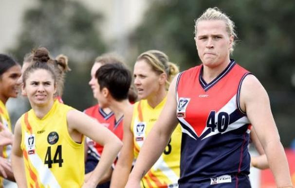 La jugadora australiana Hannah Mouncey tuvo que dejar el rugby por el balonmano.
