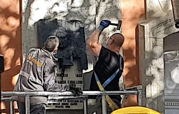 El PSOE llevará a los tribunales la retirada de la placa en la fachada de la casa de Largo Caballero MÁS MADRID 15/10/2020