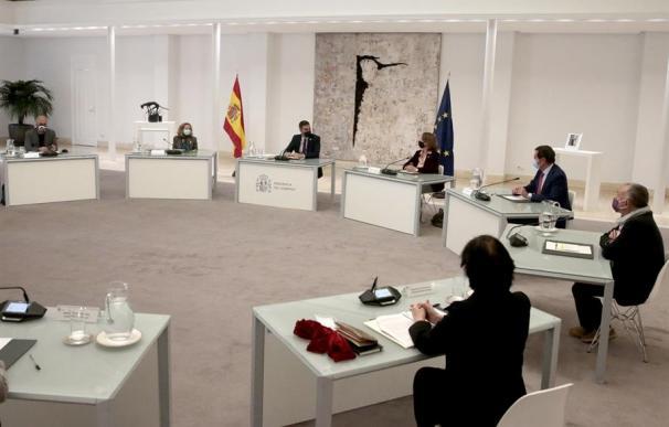 Unai Sordo (CCOO) y Pepe Álvarez (UGT) quieren garantizar que la reforma laboral del PP se cambiará.