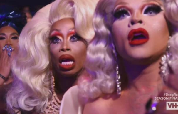 Monique Heart y Vanessa Vanjie Mateo reaccionando a un ruveal