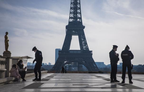 Francia espera empezar a vacunar a comienzos de 2021 y no habrá que pagar