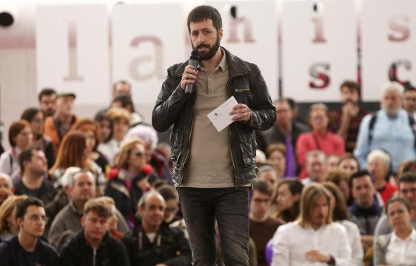 El candidato de Unidas Podemos al Congreso por Valladolid, Juanma del Olmo, participa en un acto con simpatizantes de Podemos en La Cúpula del Milenio de Valladolid 26/04/2019, elecciones Photogenic/M.A Santos / Europa Press (Foto de ARCHIVO) 26/4/2019
