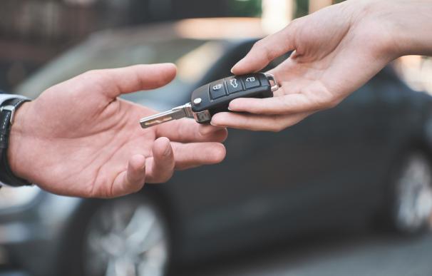Como financiar la compra de un coche a un particular y que tramites seguir