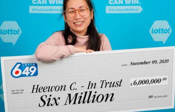 Cuatro sanitarios ganan un premio en la loteria