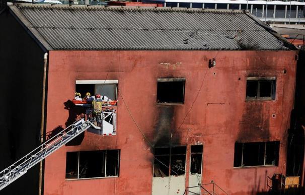 La nave okupada de Badalona donde un incendio ha matado a dos personas