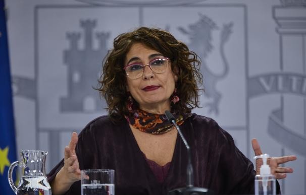 La ministra de Hacienda, María Jesús Montero, en la rueda de prensa tras el Consejo de Ministros.