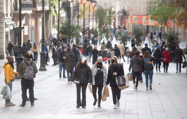 Aspecto del centro de Barcelona a pocas horas de la Nochebuena