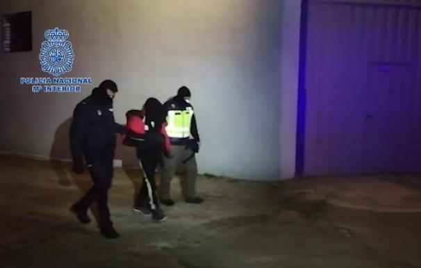 Detenido un familiar de un miembro de DAESH por amenazar a viandantes de Castellón con un machete en Navidad
