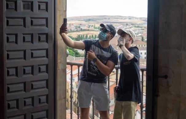 Turistas turismo coronavirus