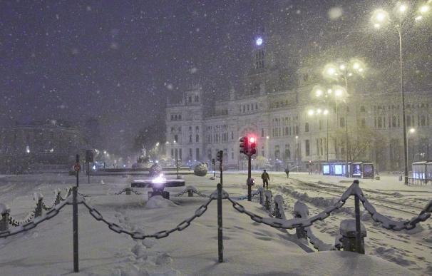 El Ayuntamiento de Madrid y la fuente de Cibeles, cubiertos de nieve por la borrasca Filomena, en Madrid (España) a 9 de enero de 2021. 09 ENERO 2021;NIEVE;BORRASCA;FILOMENA Jesús Hellín / Europa Press 9/1/2021