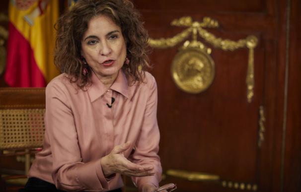 La ministra de Hacienda y portavoz del Gobierno, María Jesús Montero, durante una entrevista con Europa Press.