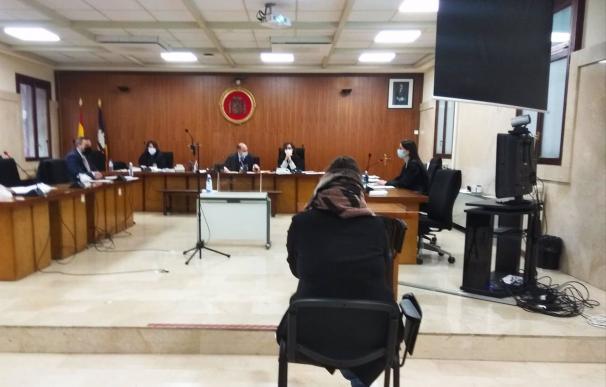 La acusada, durante el juicio celebrado este martes en la Audiencia Provincial.