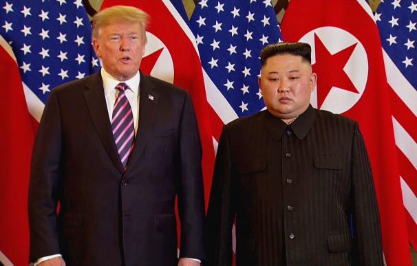 Trump se convierte en el primer presidente de EEUU que pisa suelo norcoreano.