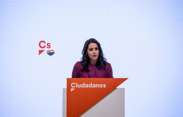 La presidenta de Ciudadanos, Inés Arrimadas, en rueda de prensa en la sede del partido. CIUDADANOS 29/12/2020