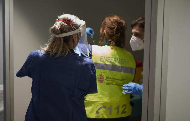 Trabajadora sanitaria contra Covid-19