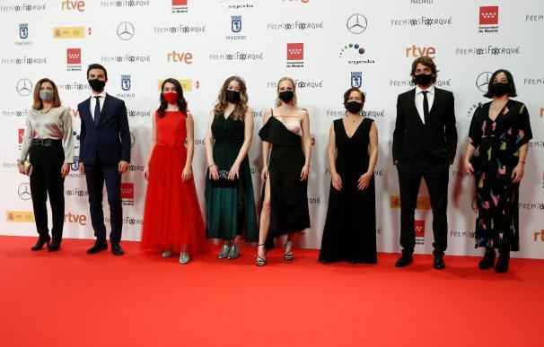"""Integrantes del equipo de la película """"Las niñas"""" a su llegada a la gala de entrega de los """"Premios Forqué"""""""