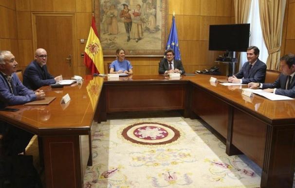 José Luis Escrivá y Yolanda Díaz han pactado la prórroga de los ERTE y del cese de actividad.