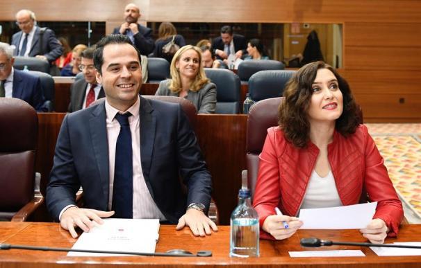 La presidenta de la Comunidad de Madrid, Isabel Díaz Ayuso, junto a su vicepresidente, Ignacio Aguado