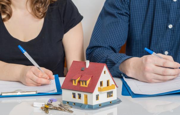 Mi expareja ha dejado de pagar la hipoteca: ¿cómo le reclamo su parte?