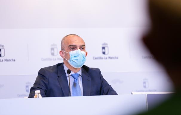 El director general de Salud Pública, Juan Camacho, en rueda de prensa.