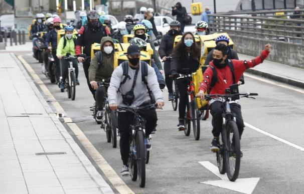 Concentración de riders en Oviedo JORGE PETEIRO. 4/2/2021