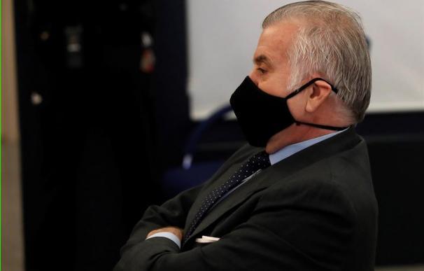 El extesorero del PP Luis Bárcenas sentado en el banquillo de los acusados