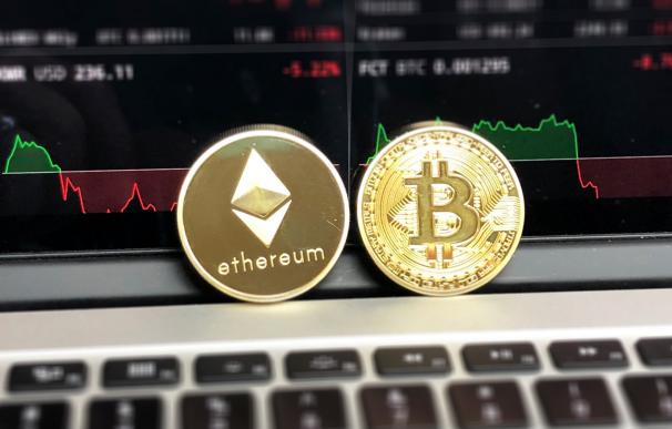 Ether: qué es, cómo funciona y en qué se diferencia esta moneda de Bitcoin