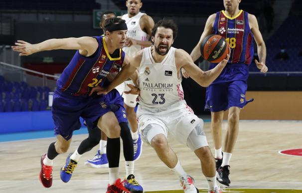 Kuric (Barça) y Llull (Real Madrid) ACB PHOTO / P. CASTILLO (Foto de ARCHIVO) 27/12/2020
