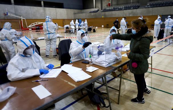 Trajes EPI elecciones Cataluña 14-F